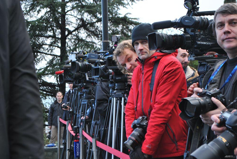 Ялтинскую конференцию 2015 года освещали десятки СМИ. В 1945 году на конференцию смогли попасть лишь единицы, большая часть которых – фотографы.