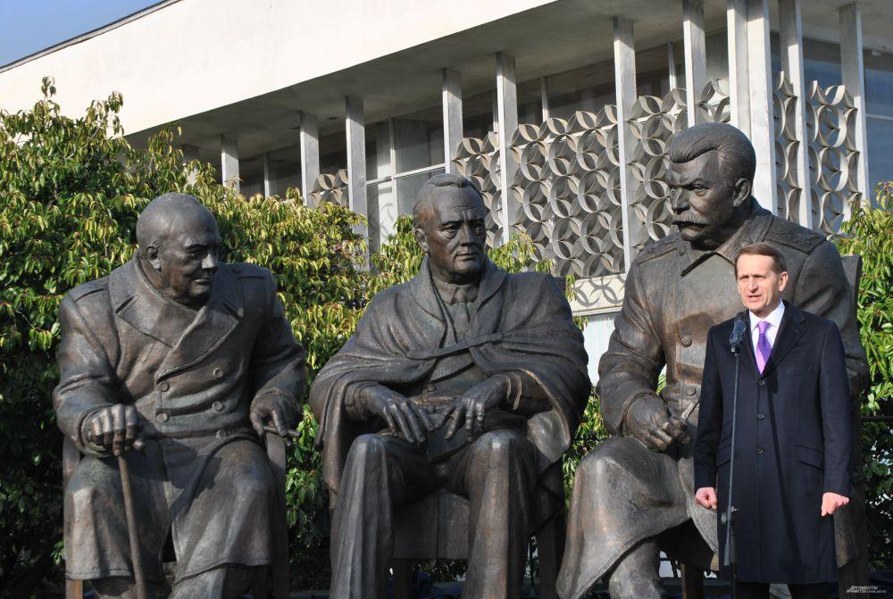 Председатель Госдумы РФ Сергей Нарышки, открывая монумент, заявил,  что «памятник – это наша дань памяти тому великому историческому событию, которое произошло здесь 70 лет назад».