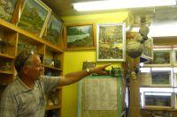 Наряду с древними экспонатами в домашнем музее есть даже осиные гнезда.