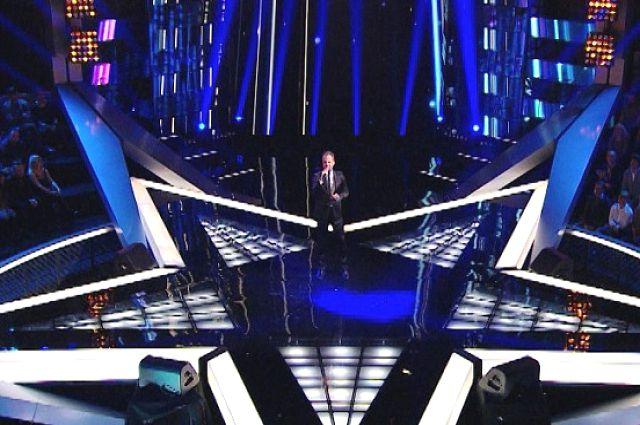 Приморский певец на конкурсной сцене.