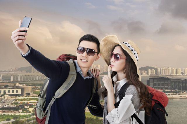 Показывали фото подруге с отпуска а потом трахнулся с подругой фото 624-780
