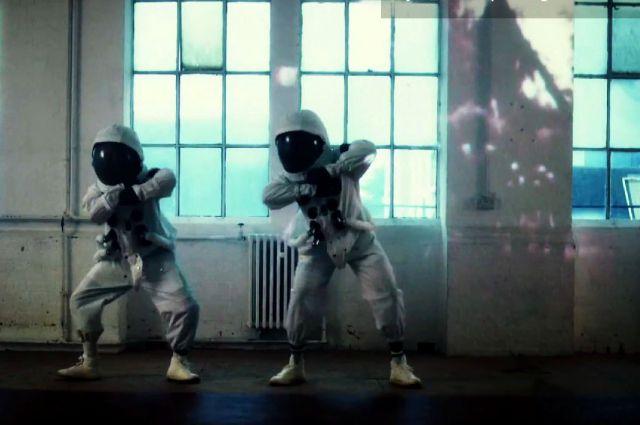 Кадр из клипа группы Public Service Broadcasting.