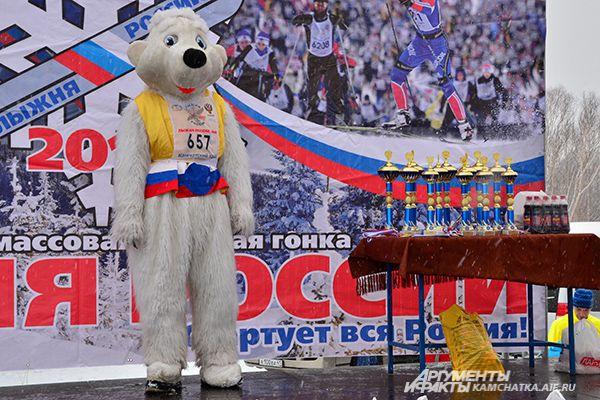 Символ Лыжни ждет победителей.