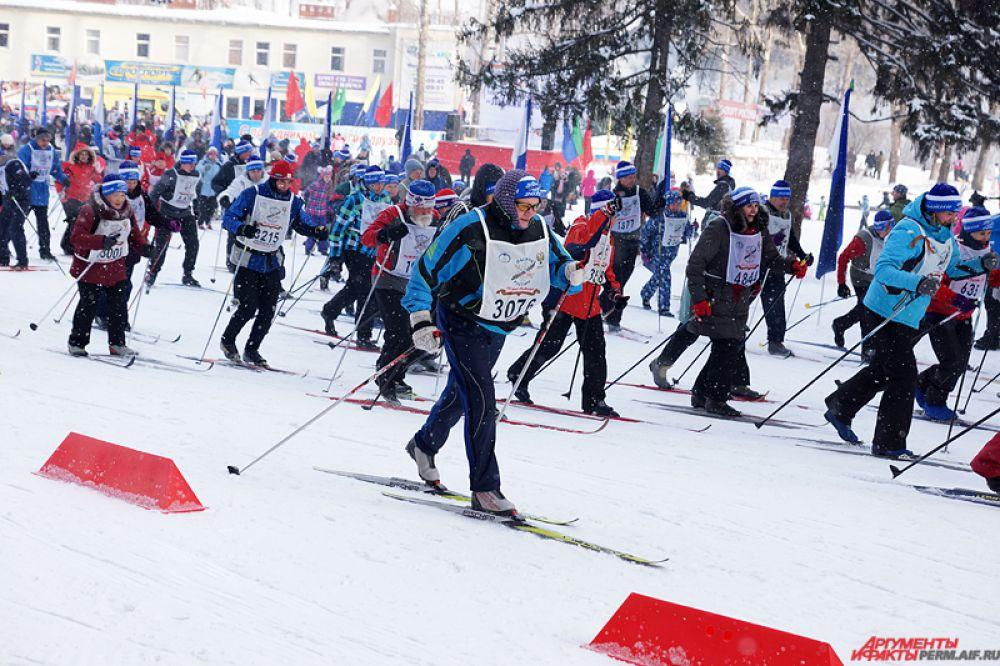 На Юбилейном забеге «победную» дистанцию преодолели пожилые лыжники.