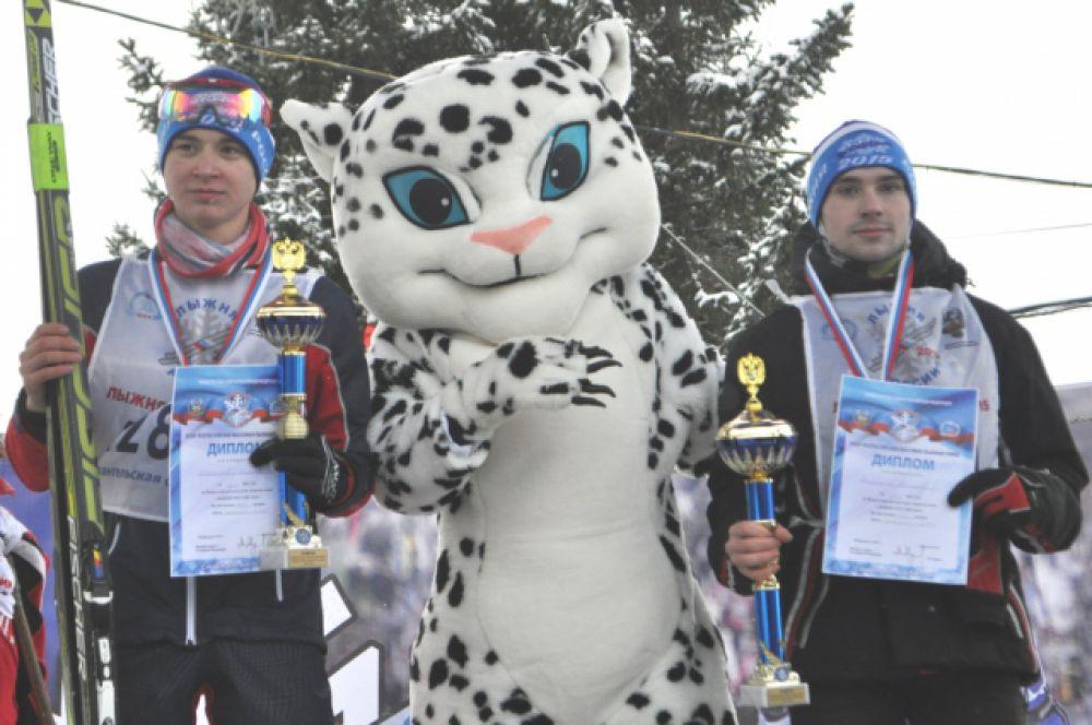 Призеры юношеского забега: Никита Степарев и Василий Никитин.