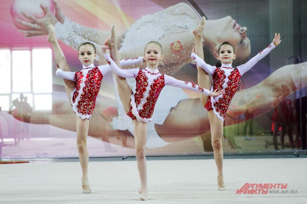 Среди музыкального сопровождения соревнований звучали песни с русскими народными лейтмотивами
