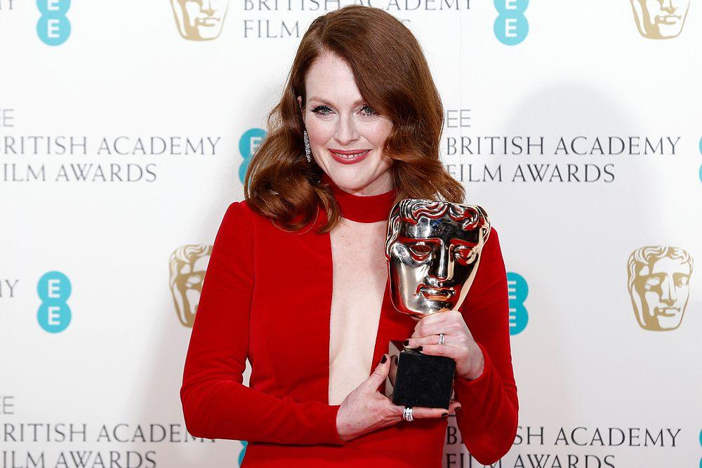 Лучшей актрисой признали Джулианну Мур за роль профессора лингвистики, страдающей болезнью Альцгеймера, в фильме «Все еще Элис».