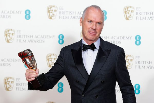 Фильм «Бердмен» получил награду за лучшую операторскую работу. От имени Эммануэля Любецки премию получил Майкл Китон.