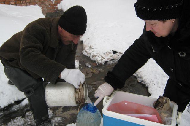 Результаты анализа воды покажут, насколько она опасна для здоровья человека и экологии.