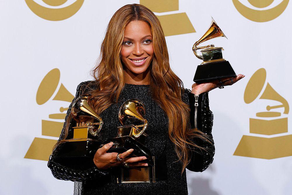 Премию «Лучшее исполнение в стиле R'n'B» вручили Бейонсе и Jay-Z за песню Drunk In Love. Она же взяла статуэтку в категории «Лучшее выступление».