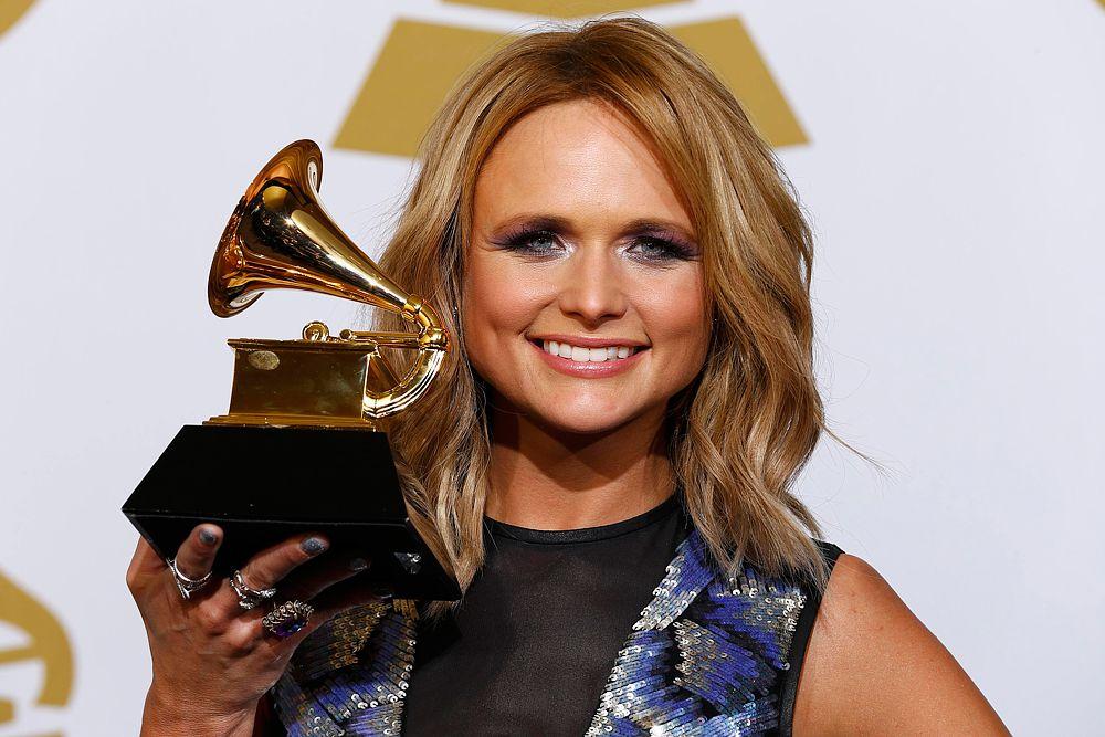 Миранда Ламберт получила награду в номинации «Лучший кантри альбом».