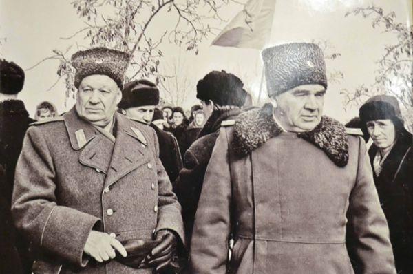 Генерал-полковник Михаил Шумилов и маршал Василий Чуйков, 1963 год.