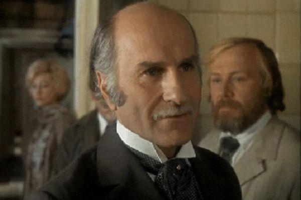 Зельдин снялся в более 40 фильмах, среди которых «Карнавальная ночь», «Сказание о земле Сибирской», «Дядя Ваня», «Тридцать первое июня», «Женщина в белом», «Тайна