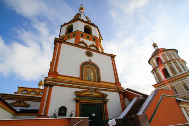 Собор является вторым старейшим каменнм зданием Иркутска.