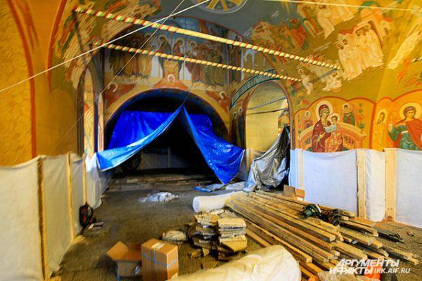 5 февраля в Богоявленском соборе провалилась часть пола.