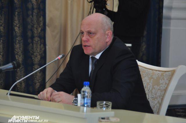 Губернатор выступил в Москве с докладом.