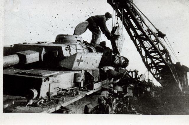 Трофейный танк переплавят на КМК.