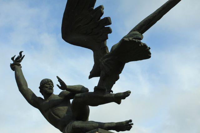 Скульптурная композиция установлена на проспекте Просвещения.