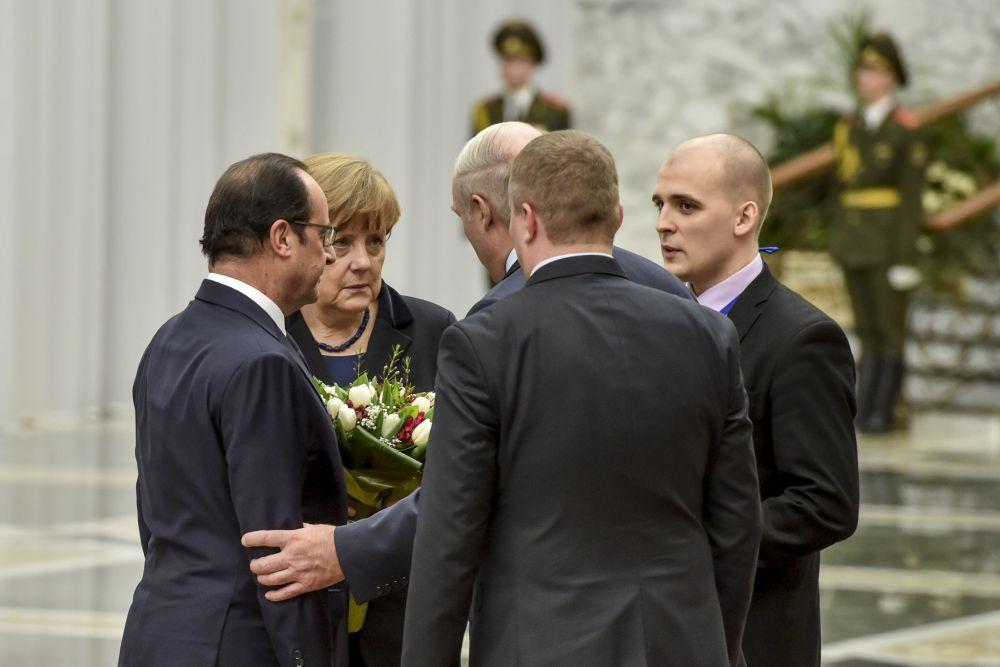 Ангела Меркель и Франсуа Олланд перед встречей в Минске