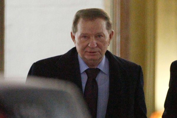 В переговорах контактной группы от украинской стороны принимал участие бывший президент Украины Леонид Кучма.