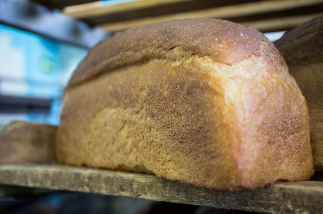 Хлеб в Омске продолжает дорожать.