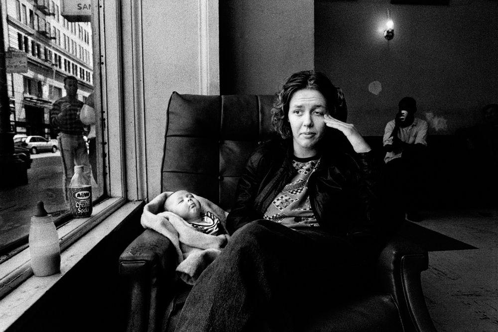Дарси Падилья, фотографа Agence VU, выиграла первый приз в категории «Долгосрочные проекты». Дарси достался приз за серию работ «Семья Любовь 1993-2014 - Джули Проект».