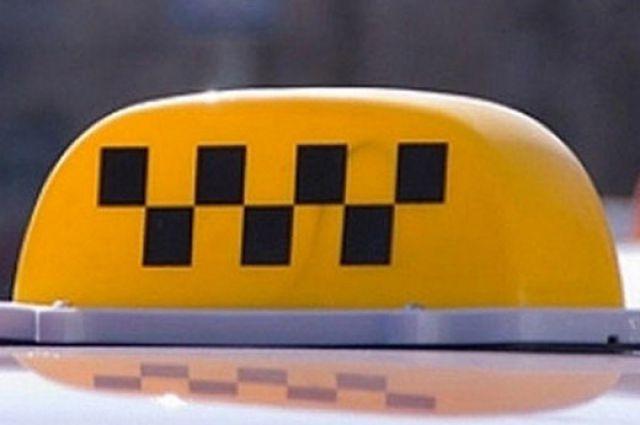 В Омске обнаружили более 100 нелегальных таксистов.