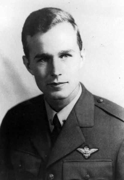Джордж Буш-старший. В 1940-е годы.