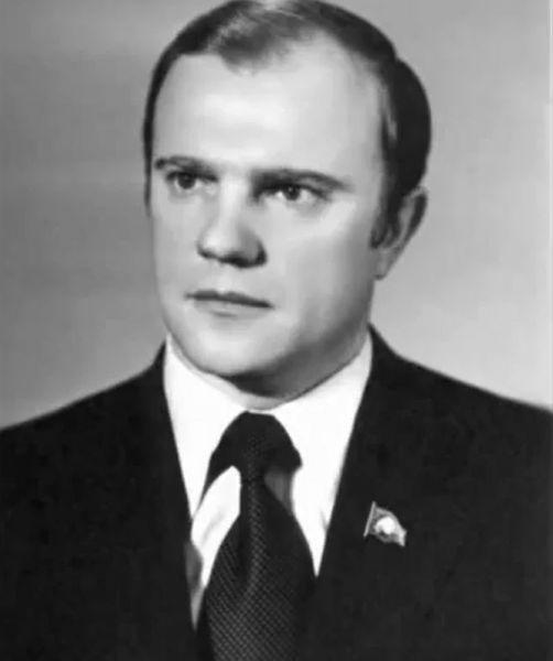 Лидер КПРФ Геннадий Зюганов в 1960-х годах.