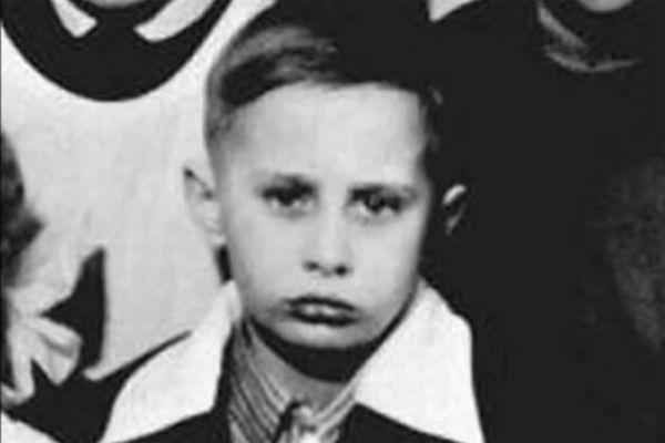 Президент РФ Владимир Путин в конце 1950-х годов.
