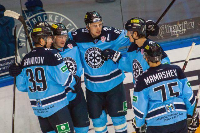 Хоккейная «Сибирь» одержала ещё одну «сухую» победу