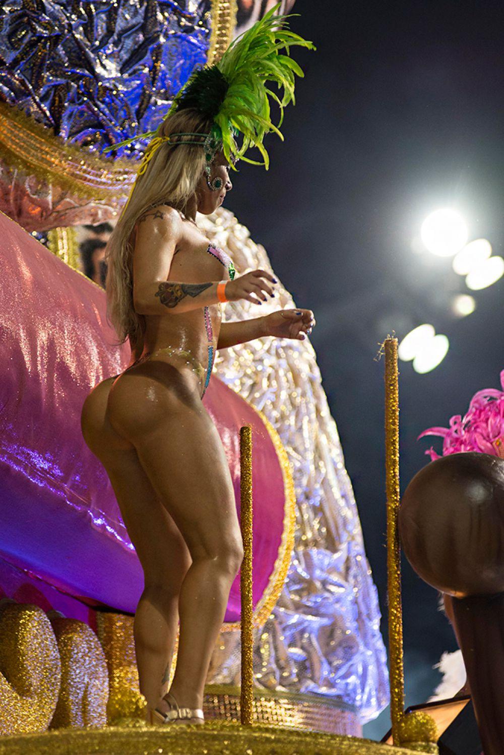 Самые красивые девушки бразильского карнавала 21 фотография