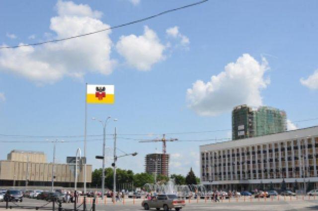 На улице Новгородской в