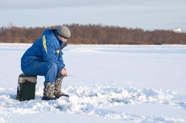 Для любителей подлёдного лова никакие холода не страшны.