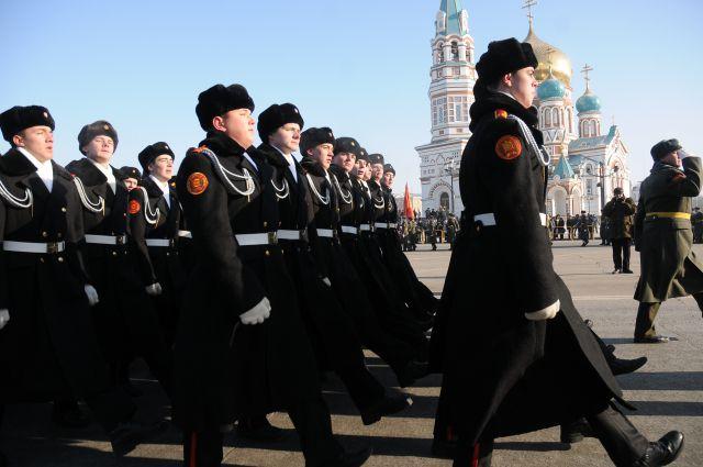 Торжественным маршем пройдут военные по Соборной площади.