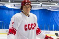 Актер Евгений Пронин в роли главного героя — Вячеслава Фетисова.