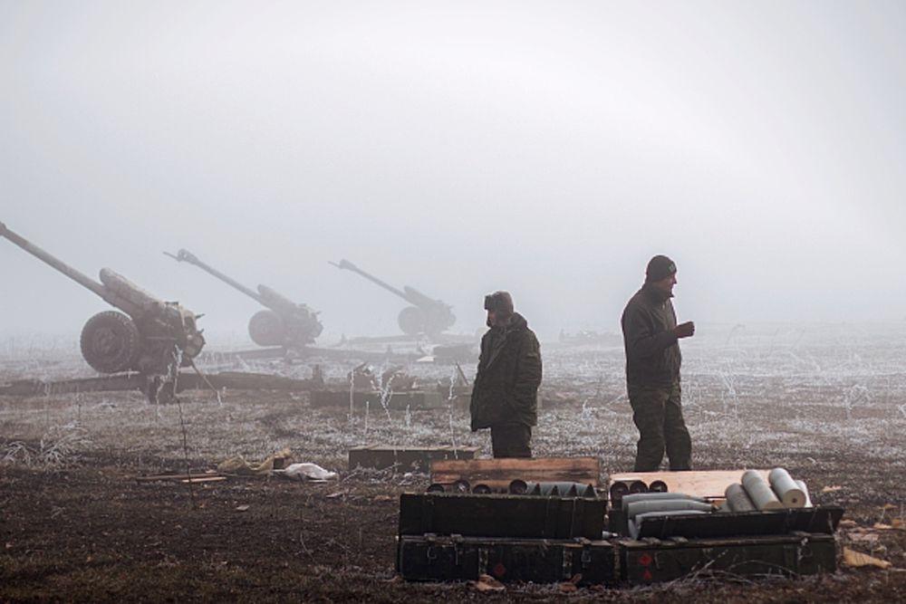 Ополченцы Донецкой народной республики в окрестностях Дебальцево Донецкой области.