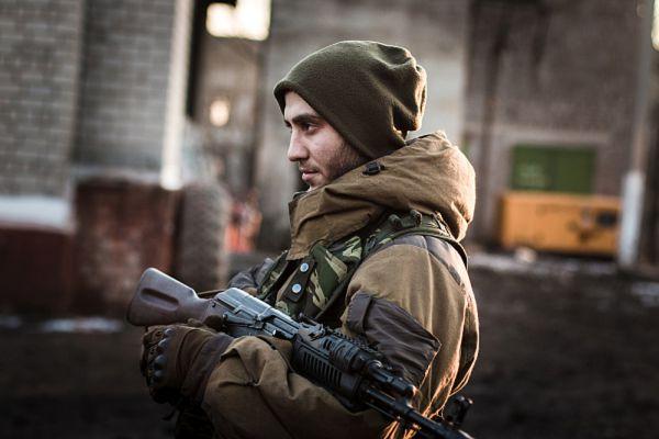 Ополченец Донецкой народной республики в окрестностях Дебальцево Донецкой области.