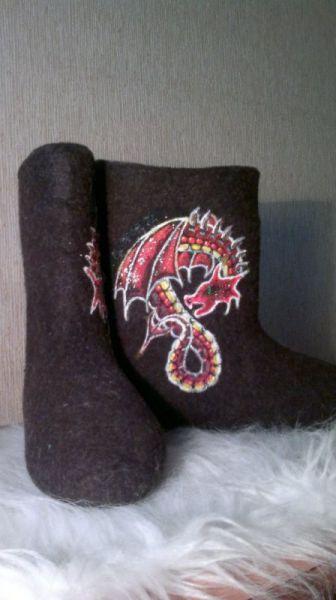 Этот дракон – ручной. Точнее – ножной