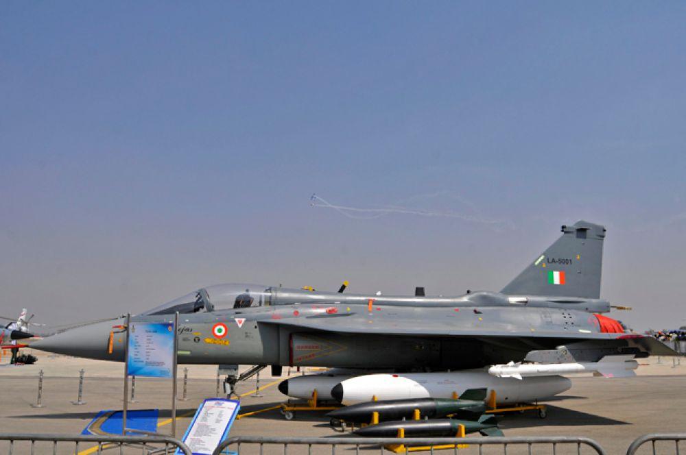 Легкий боевой самолет Tejas.