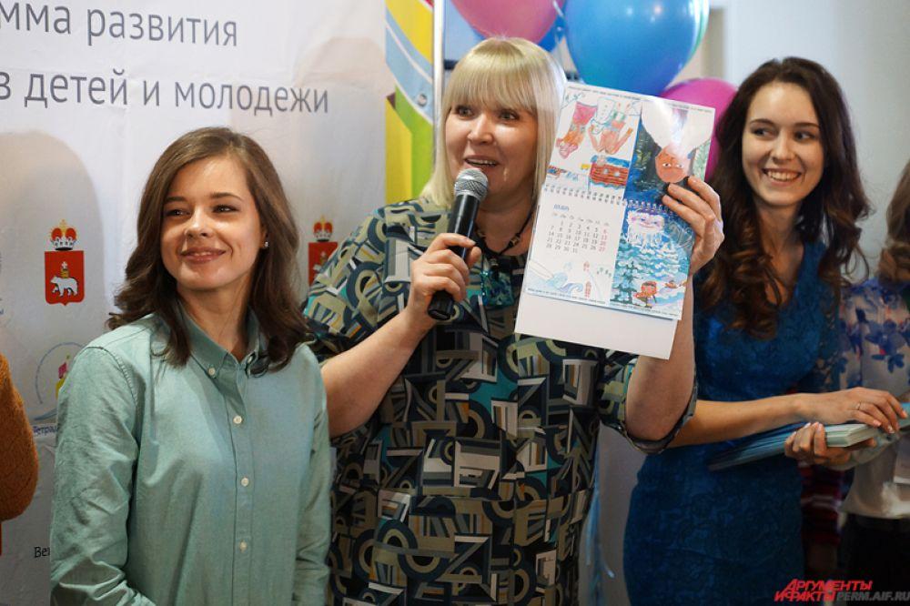 Всего в акции опробовали свои силы порядка 800 школьников, которые нарисовали иллюстрации к литературным произведениям.