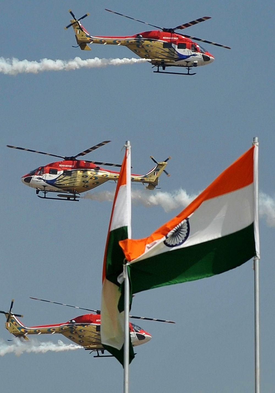Вертолеты команды Sarang.