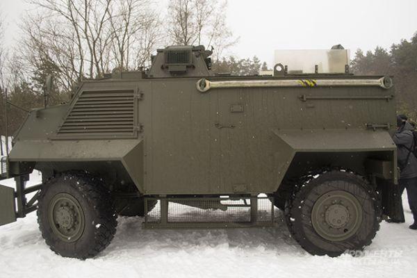Бронеавтомобиль Saxon