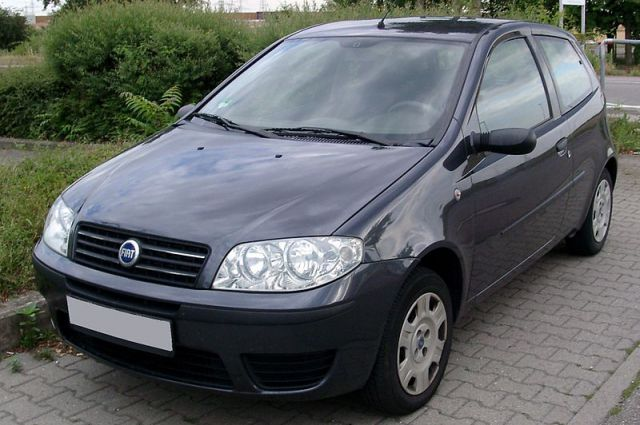 Fiat Punto (2003).