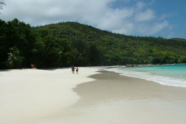 6. Anse Lazio, остров Праслен, Сейшельские острова.
