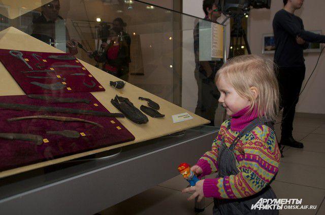 Новыя выставка музея привлекла даже самых маленьких омичей