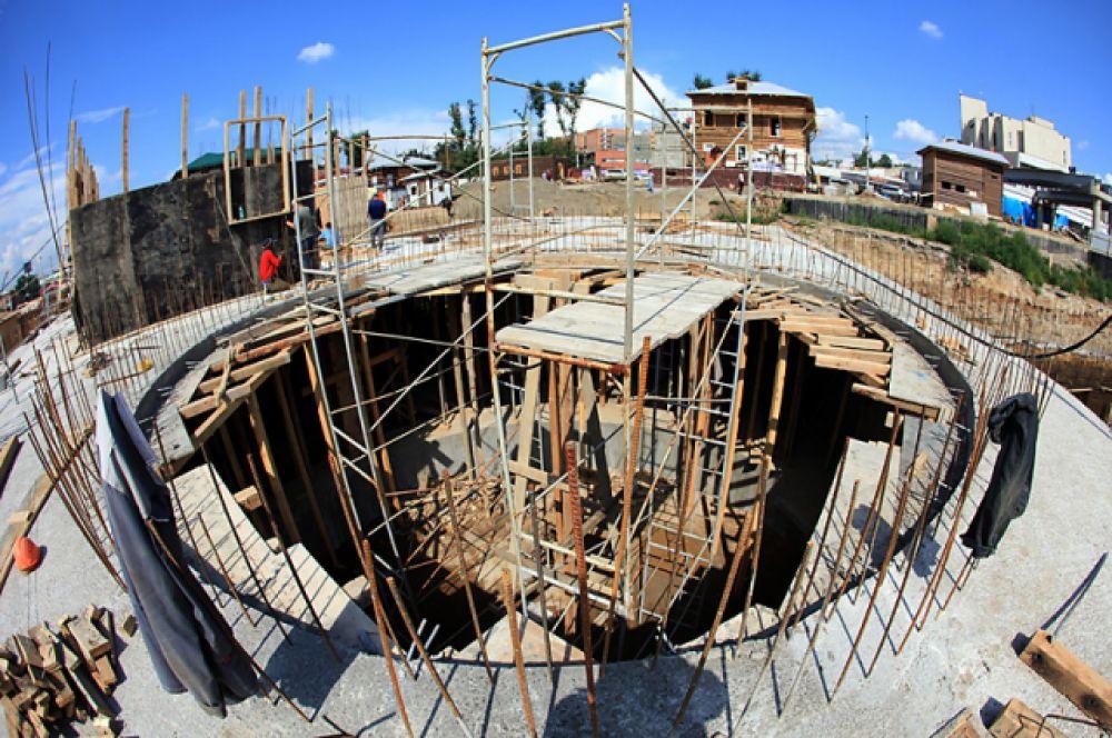 Во время строительства было применено несколько нестандартных решений.