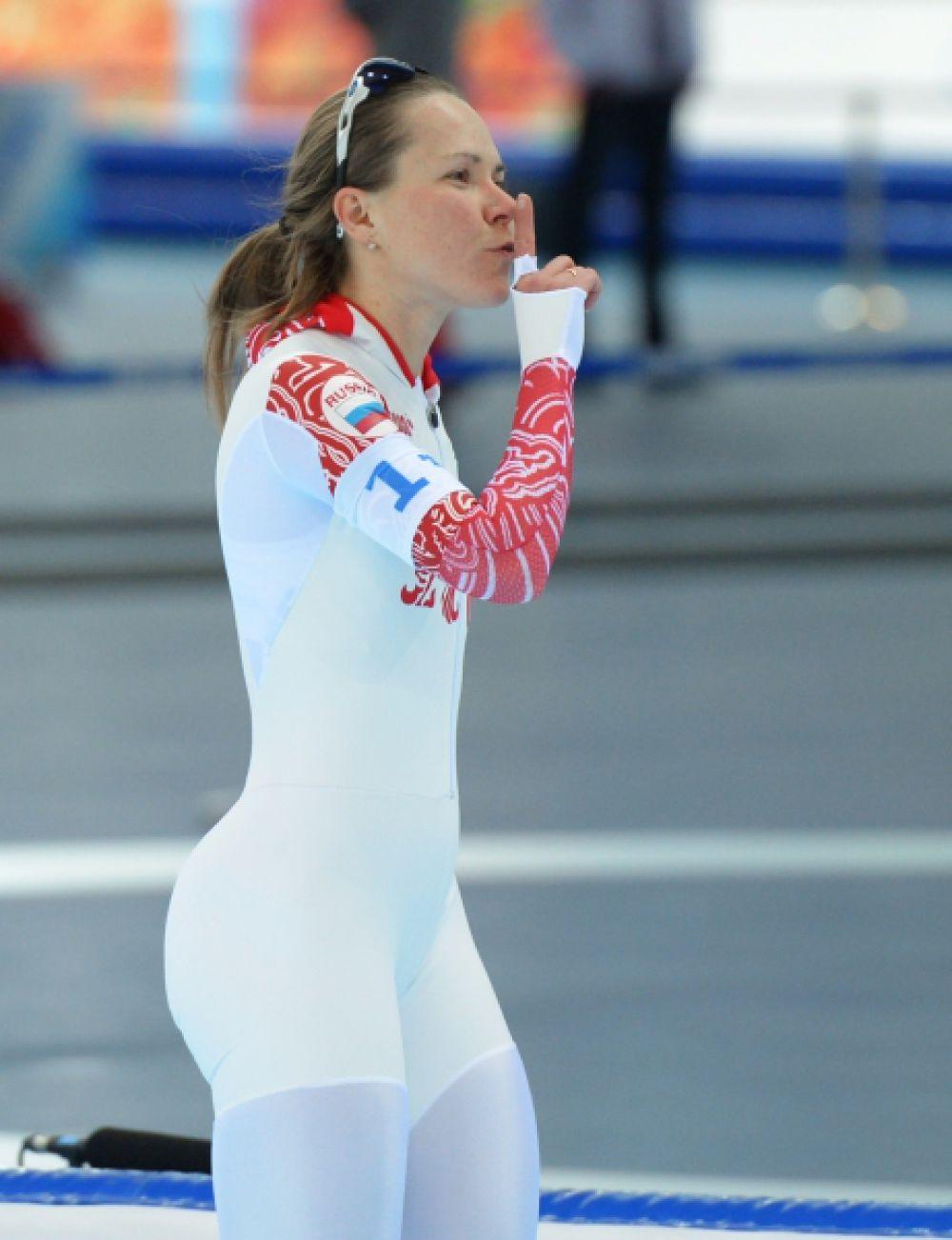 Ольга Граф — российская конькобежка. Двукратный бронзовый призёр зимних Олимпийских игр 2014 года на дистанции 3000 м и в командной гонке.