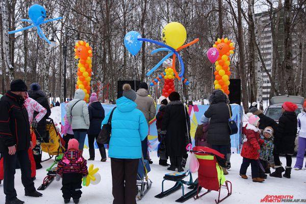 Более скромно празднование Масленицы проходило в районах Перми.