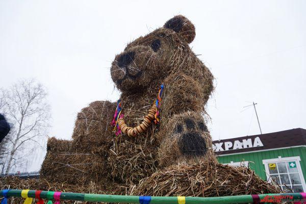Медведь тоже является символом Масленицы.